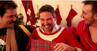 Tips til neste jul: Du får en meningsløs gave, slik skjuler du at du er misfornøyd!