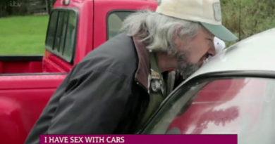 Denne mannen har hatt samleie med over 700 biler. Kjenner du noen som er i overkant bilinteressert?