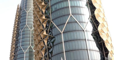Denne skyskraperen skifter utseende flere ganger i løpet av dagen. Men hvorfor skjer det?